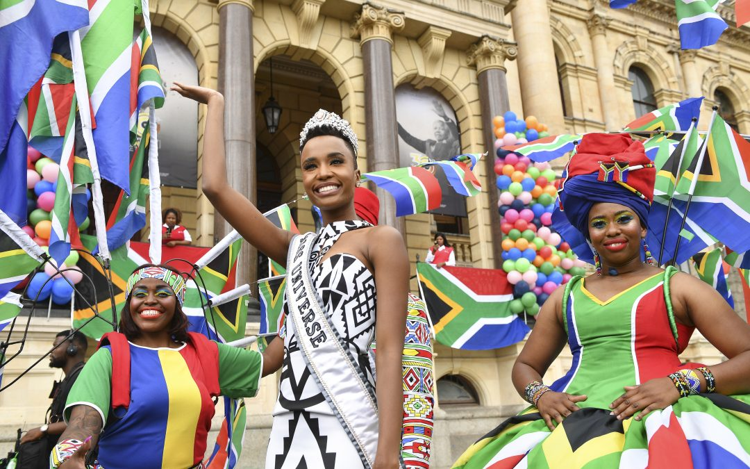 Homegrown Miss Universe thrills Cape Town with colourful Cape Town Carnival performers